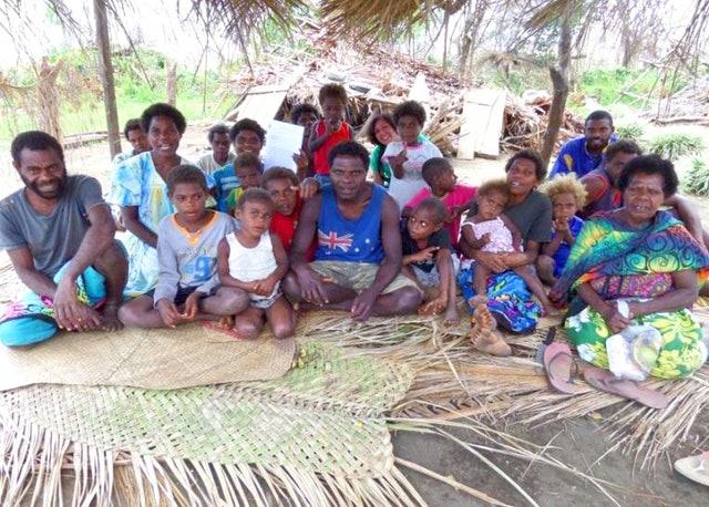 Gençler, afetin ardından Vanuatu'daki yeniden yapılandırma çalışmalarına öncülük ediyor - 01