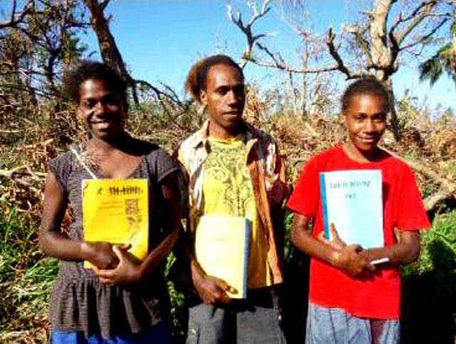 Gençler, afetin ardından Vanuatu'daki yeniden yapılandırma çalışmalarına öncülük ediyor - 02