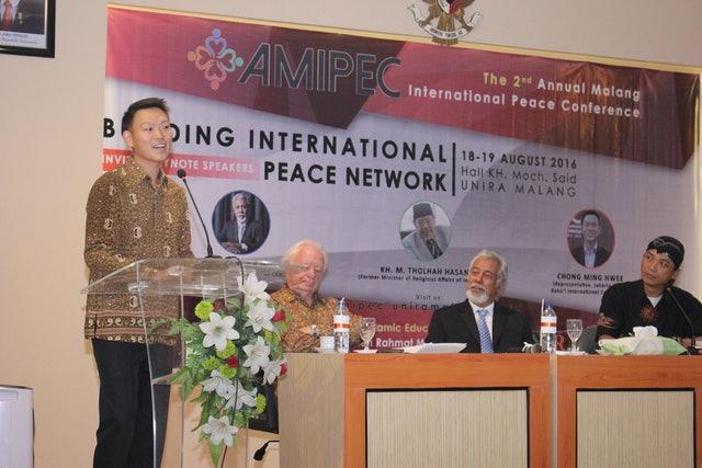 Güneydoğu Asya'da dinin barışa katkısı araştırılıyor - 01