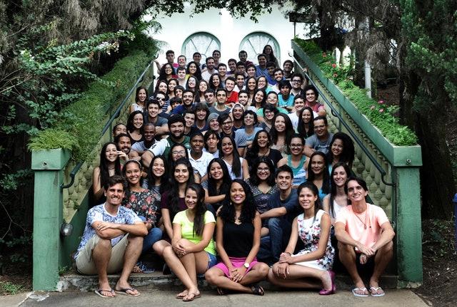 Hareket için ilham almış üniversite öğrenci grupları - 01