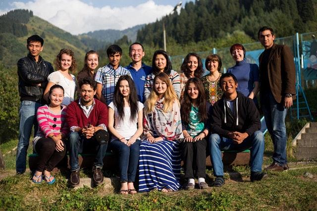 Hareket için ilham almış üniversite öğrenci grupları - 02