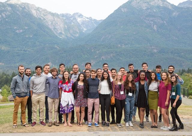 Hareket için ilham almış üniversite öğrenci grupları - 03