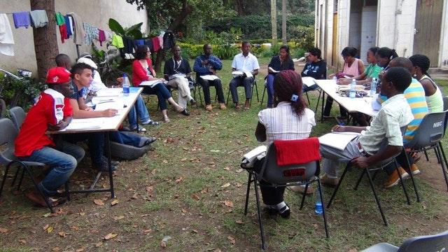 Hareket için ilham almış üniversite öğrenci grupları - 04