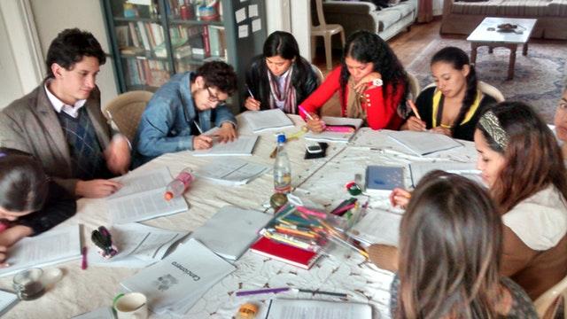 Hareket için ilham almış üniversite öğrenci grupları - 05