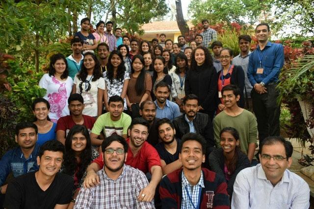 Hareket için ilham almış üniversite öğrenci grupları - 07
