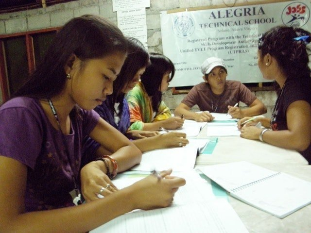 Hareket için ilham almış üniversite öğrenci grupları - 10