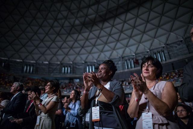 İlk Gün: Konferansın çarpıcı açılış töreni tarihi ve başarıları kutluyor - 01