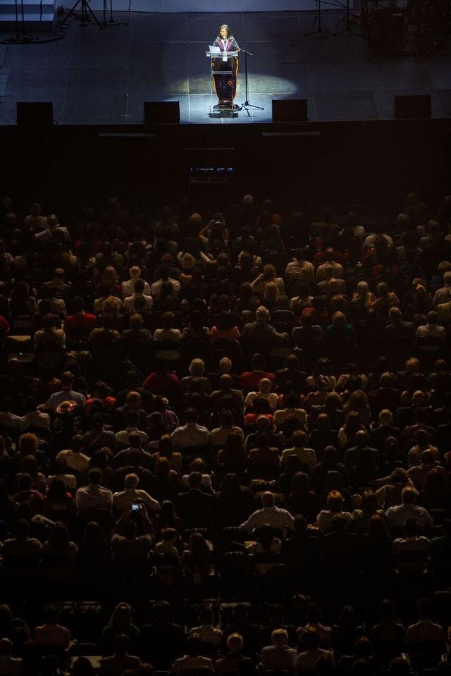 İlk Gün: Konferansın çarpıcı açılış töreni tarihi ve başarıları kutluyor - 02