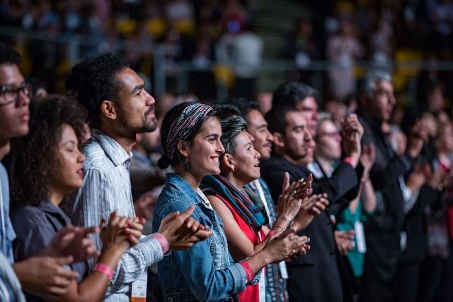 İlk Gün: Konferansın çarpıcı açılış töreni tarihi ve başarıları kutluyor - 13