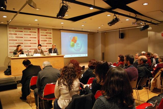 İspanya'da toplumsal gelişim arayışı din ve bilimden yararlanmaktadır - 02