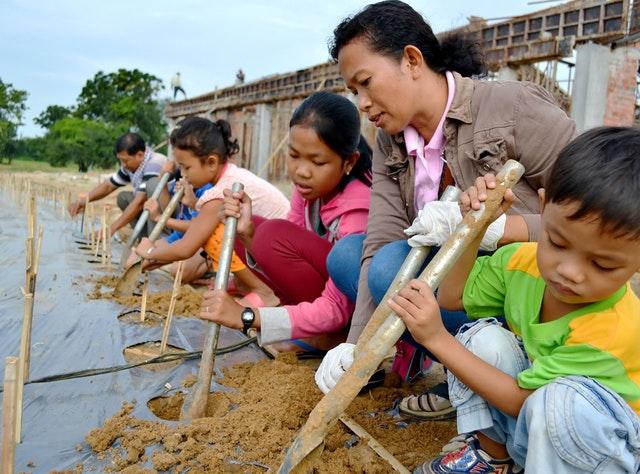 Mabet, gelecek için ekim yapma konusunda çocuk ve gençlere ilham vermektedir - 02
