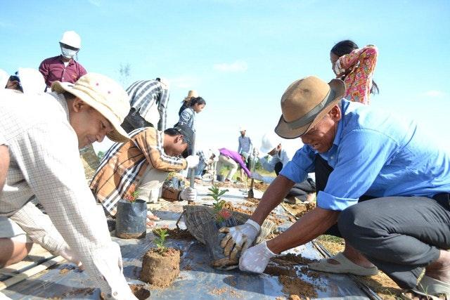 Mabet, gelecek için ekim yapma konusunda çocuk ve gençlere ilham vermektedir - 09