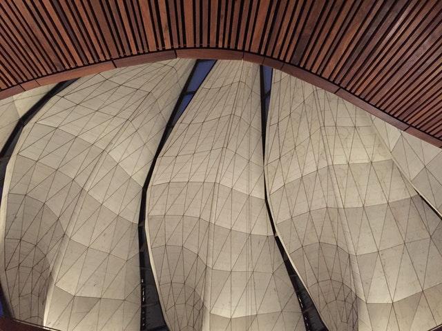 Ruh ve şeklin iç içe geçerek birleştiği yer: Şili Mabedinin mimarisi üzerine yansımalar - 02