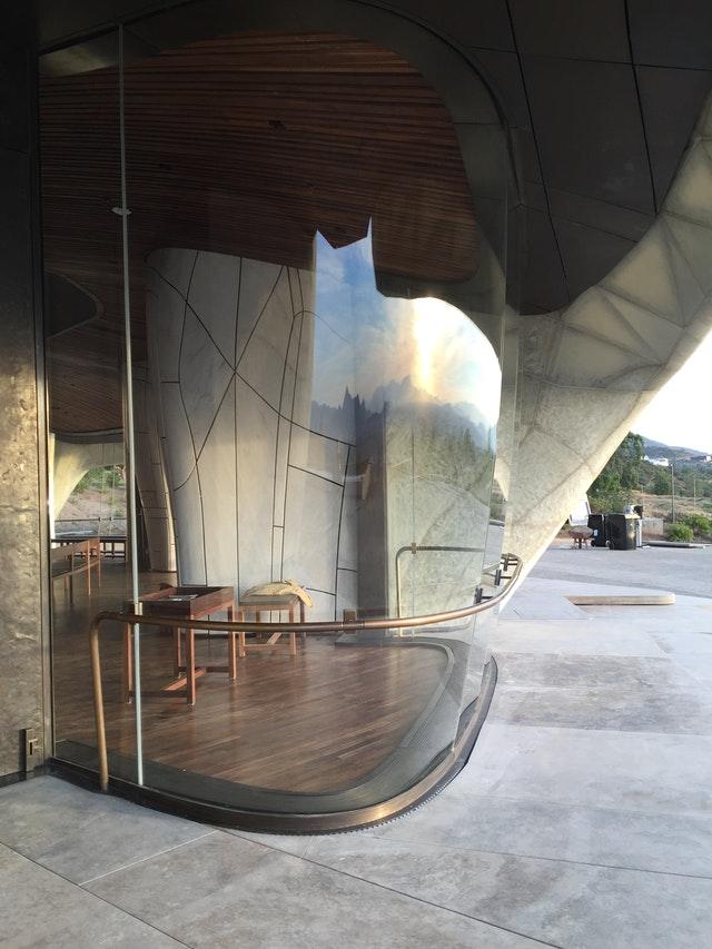 Ruh ve şeklin iç içe geçerek birleştiği yer: Şili Mabedinin mimarisi üzerine yansımalar - 04