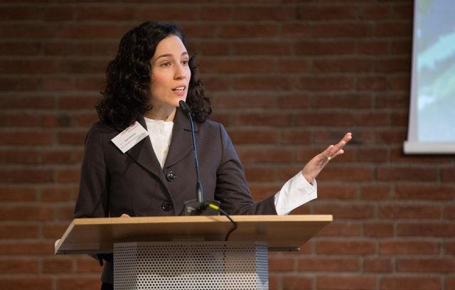 Toplumsal dönüşüme katkıda bulunmak – Diskurlara Bahai katılımı üzerine yansımalar - 04