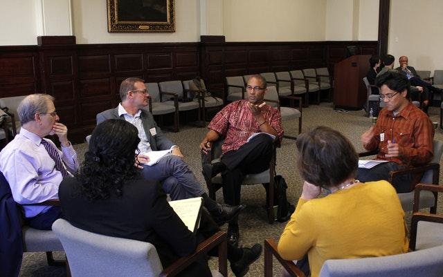 Toplumsal dönüşüme katkıda bulunmak – Diskurlara Bahai katılımı üzerine yansımalar - 05