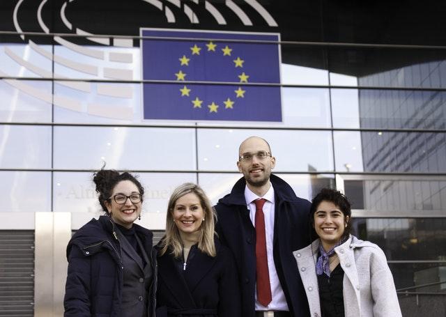Bahai Uluslararası Toplumu (BIC) Brüksel: İletişimi Sürdürmenin Yollarını Keşfetmek - 03