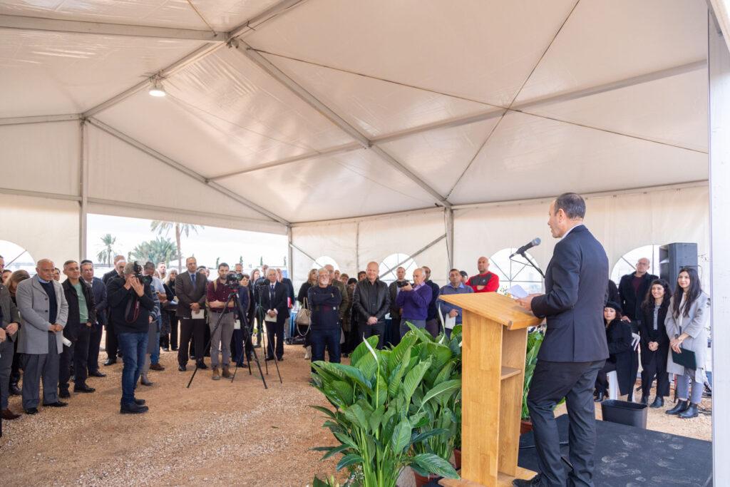 Hz. Abdülbaha'ya ait Makam'ın inşa edileceği alandaki yapılan törende Akka Belediye Başkanı ve Dini Liderler hazır bulunarak saygılarını gösterdiler - 04