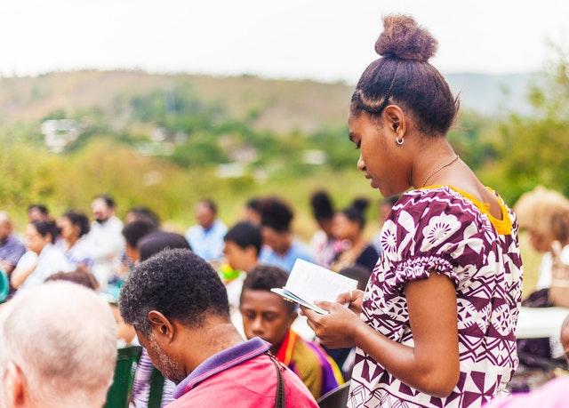 Papua Yeni Gine Bahaileri Toplumda Kadınlara Şiddetin Artması Üzerine Bir Basın Açıklaması Yayınladı - 02