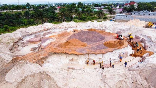 Demokratik Kongo Cumhuriyeti ve Kenya'da Mabet inşaatları devam ediyor 01